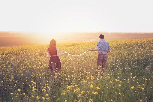 回避依存症者を好きになりやすい|恋愛依存症の特徴