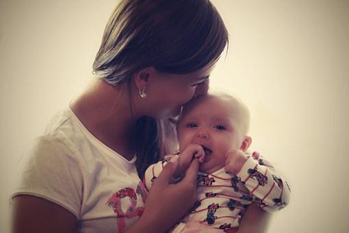 乳児期における母親(養育者)との分離が人間関係に与える影響