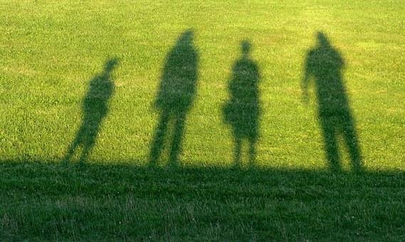 恋愛依存症の原因は親との関係にあることが多い
